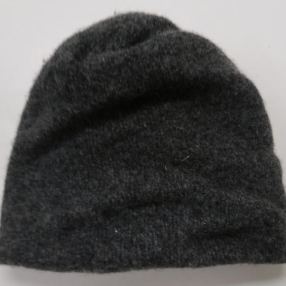 cb1e96d4338 L.L. Bean Accessories - LL Bean Ragg Wool Hat Gray Lambswool